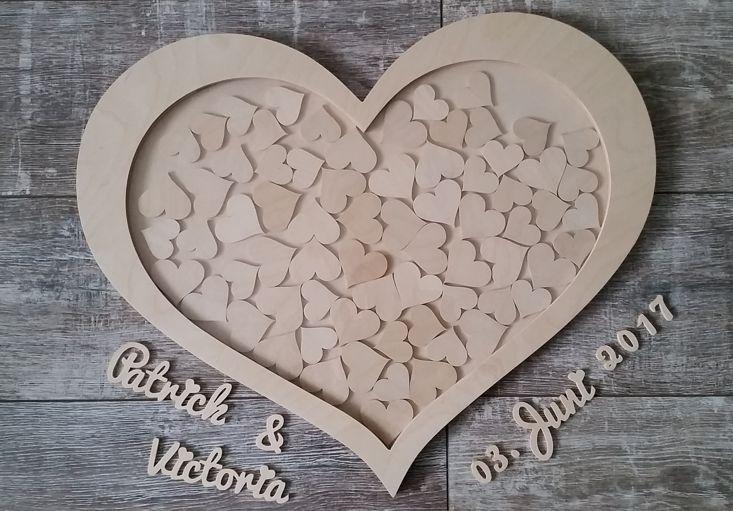 romantisches herz aus naturholz als g stebuch zur hochzeit. Black Bedroom Furniture Sets. Home Design Ideas